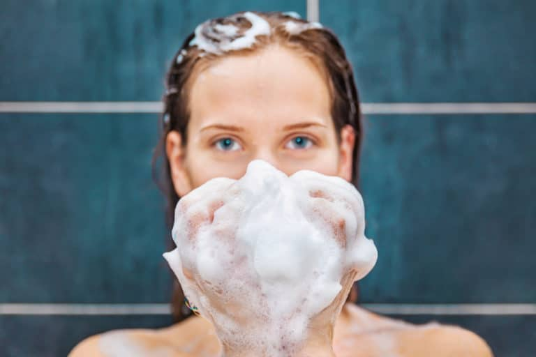 What is Mild Shampoo and What Are Its Benefits?